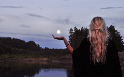 Menstruation and Moon Cycles, A Spiritual Perspective